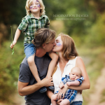 family_Kiss_WM