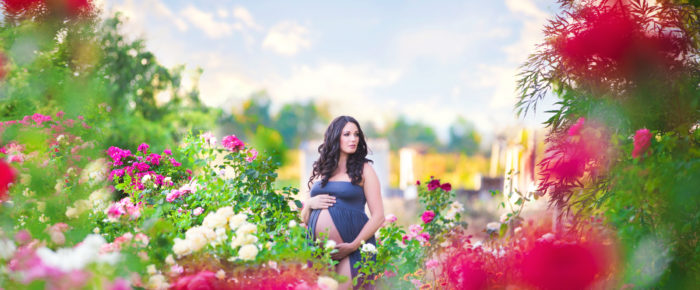 A Magical Garden Maternity Session with Magination Images – Southern Oregon Photographer
